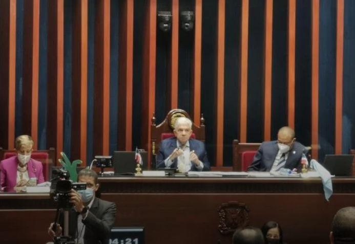 Senado envía a comisión bicameral el Código Penal